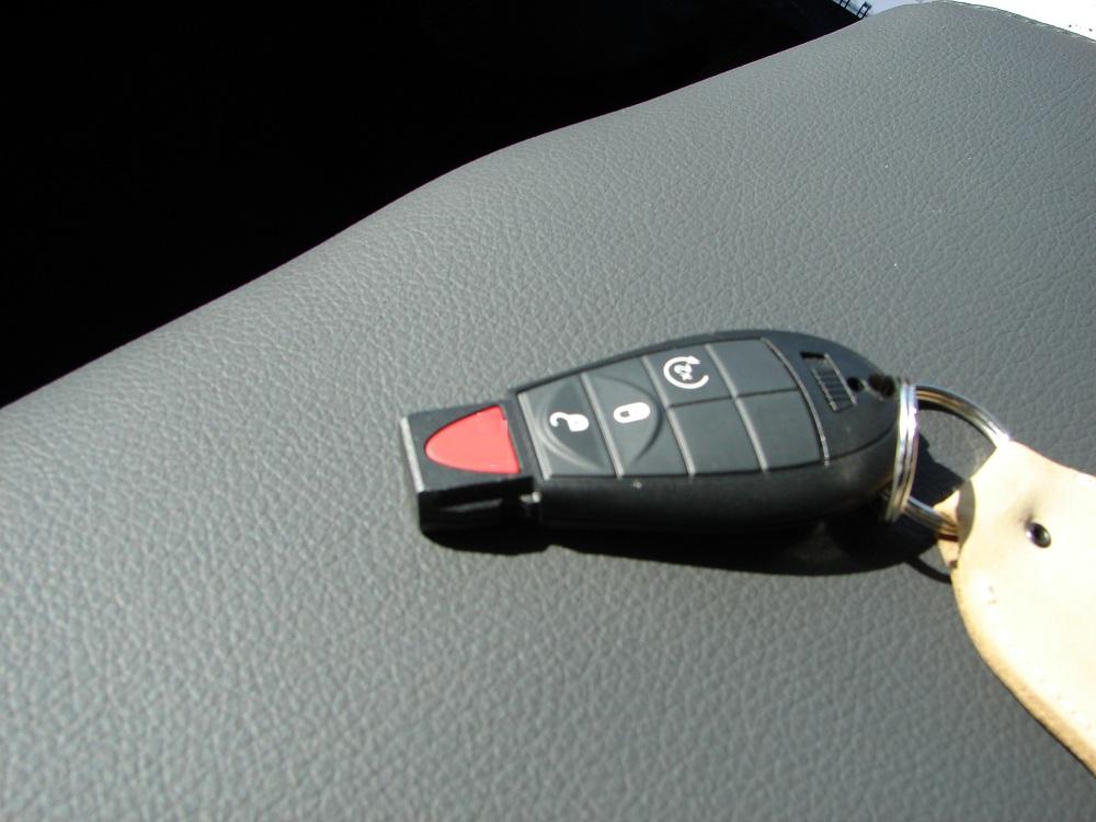 Dodge-key-fobs-keyless-control